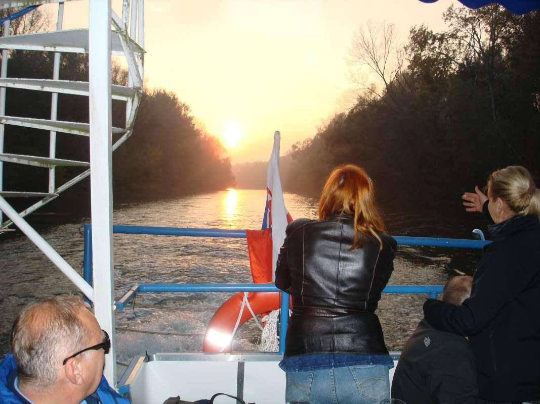 20.10.2017 Na lodi - západ slnka