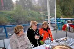20.10.2017 Na lodi - Milka Herpáková, Valika Lovacká a manželka Milana Dlabaja 1